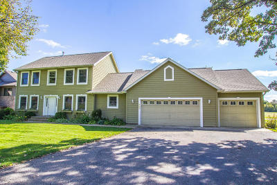 Douglas County Single Family Home For Sale: 741 S Geneva Golf Club Drive NE