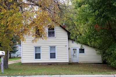 Douglas County Single Family Home For Sale: 609 Oak Street