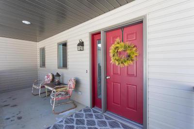 Douglas County Single Family Home For Sale: 1010 Woodsmen Court NE