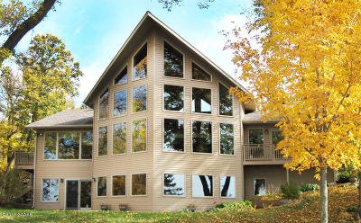 Single Family Home For Sale: 21973 Statesboro Trail