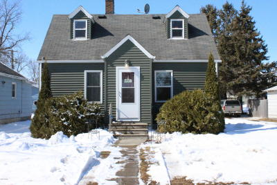 Douglas County Single Family Home For Sale: 106 State Street