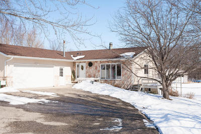 Douglas County Single Family Home For Sale: 1826 Oak Knoll Drive NE