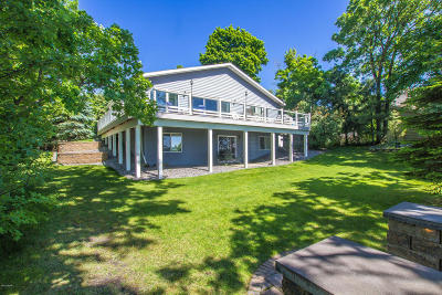 Single Family Home For Sale: 4761 County Road 11 NE