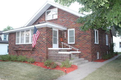 Sauk Centre Single Family Home For Sale: 225 Maple Street S