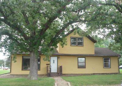 Douglas County Single Family Home For Sale: 1401 Hawthorne Street