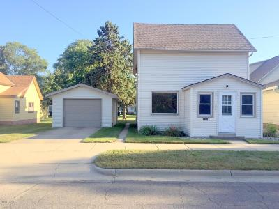 Melrose Single Family Home For Sale: 124 1st Street SW