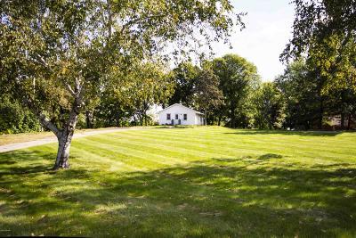 Alexandria Single Family Home For Sale: 1101 Geneva Drive