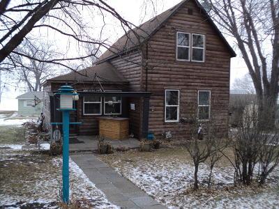 Douglas County Single Family Home For Sale: 15 E Lake Street