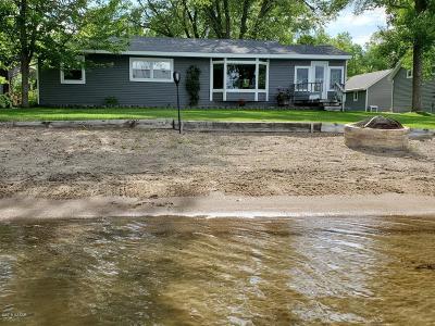 Douglas County Single Family Home For Sale: 8930 S Park Drive NE