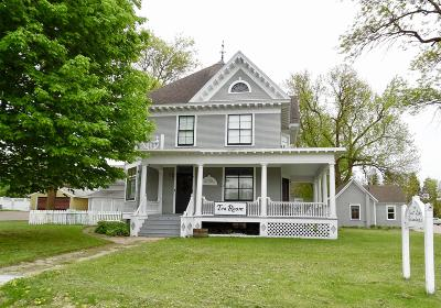 Douglas County Single Family Home For Sale: 113 W Main Street