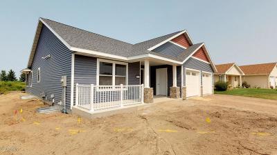 Douglas County Condo/Townhouse Pending: 614 Dewberry Lane