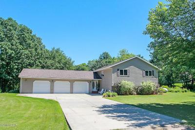 Douglas County Single Family Home For Sale: 7437 Sandhill Terrace NE