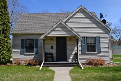Alexandria Single Family Home Pending: 1303 Cedar Street