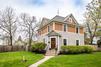 Alexandria Single Family Home For Sale: 903 Douglas Street