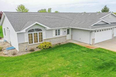 Douglas County Condo/Townhouse Pending: 818 Amanda Lane