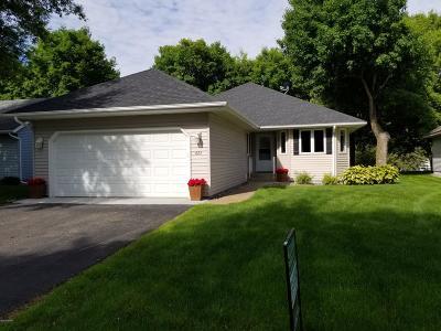 Douglas County Condo/Townhouse For Sale: 621 E Lake Cowdry Road