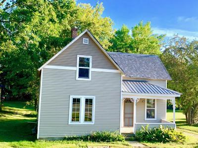 Douglas County Single Family Home For Sale: 109 W Nokomis Street