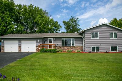 Alexandria Single Family Home Pending: 804 Geneva Drive