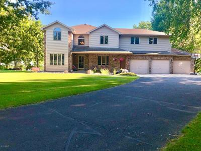 Alexandria MN Single Family Home For Sale: $457,900