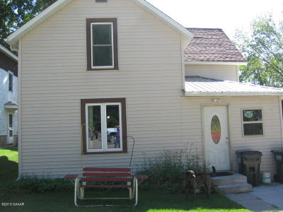 Douglas County Single Family Home For Sale: 312 Main Street