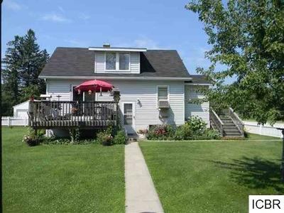 Itasca County Single Family Home For Sale: 517 NE 1st St