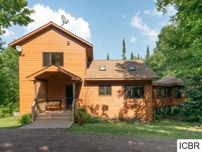 Single Family Home For Sale: 38 Sawmill Ln
