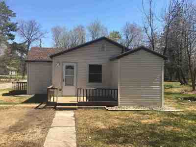 Single Family Home For Sale: 522 Woodland Ln