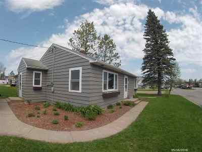 Itasca County Single Family Home For Sale: 907 NE 1st St