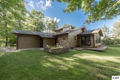 Single Family Home For Sale: 33136 Crystal Springs Rd