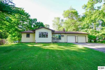 Grand Rapids Single Family Home For Sale: 2713 Old Golf Course Rd