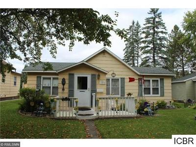 Single Family Home For Sale: 106 NE Cedar St
