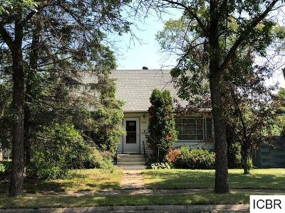 Chisholm, Hibbing Single Family Home For Sale: 3854 W 2nd Ave