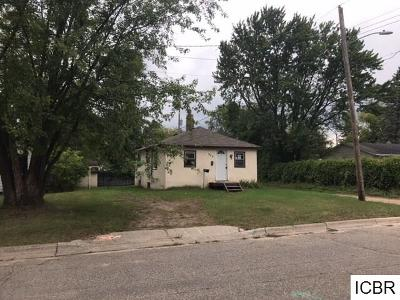 Single Family Home For Sale: 905 Maurice Ave