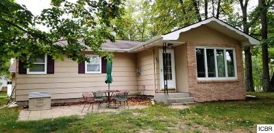 Grand Rapids Single Family Home For Sale: 402 Rogers Ave