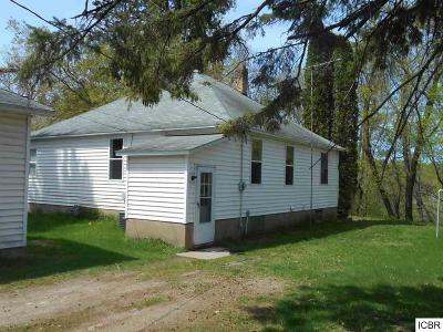 Itasca County Single Family Home For Sale: 302 Gunn St