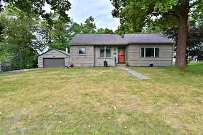 Itasca County Single Family Home For Sale: 615 NE 7th Ave