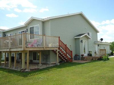 Perham Single Family Home For Sale: 412 NE 7th