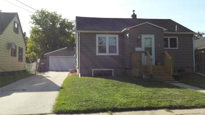 Moorhead Single Family Home For Sale: 517 15th St. N