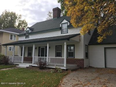 Detroit Lakes Single Family Home For Sale: 1048 Lake Avenue