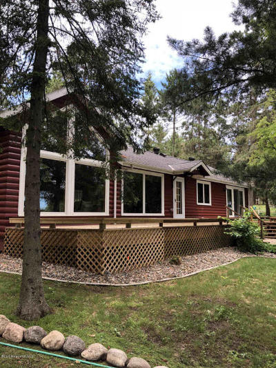 Single Family Home For Sale: 14496 Chippewa