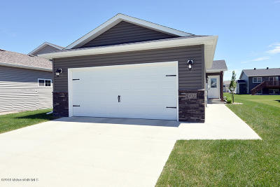 West Fargo Single Family Home For Sale: 2435 7th Court W