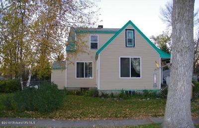 Mahnomen Single Family Home For Sale: 411 W Monroe Avenue