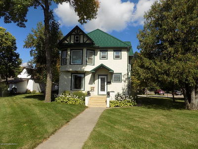 Perham Single Family Home For Sale: 157 3rd Street NE