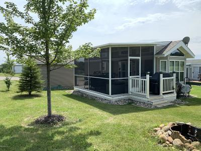Detroit Lakes Single Family Home For Sale: 22931 185 Street #126