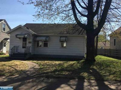 Hibbing, Chisholm Single Family Home For Sale: 2822 5th Ave E