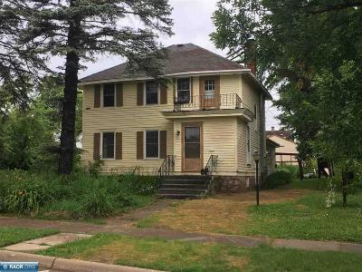 Hibbing, Chisholm Single Family Home For Sale: 328 3rd St NW