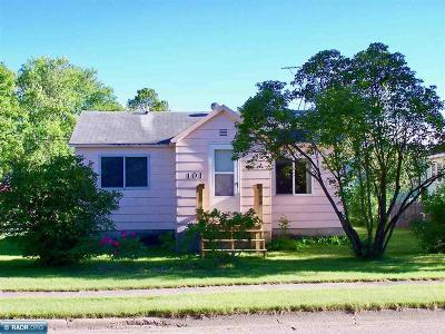 Koochiching County Single Family Home Seller Taking B/Up Offers: 101 14th Street West