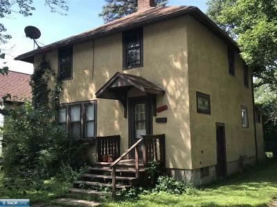 Hibbing, Chisholm Single Family Home For Sale: 3001 E 3rd Ave
