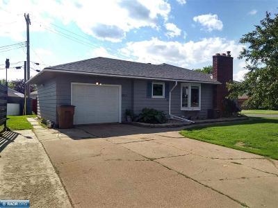 Hibbing, Chisholm Single Family Home For Sale: 2601 Diane Lane