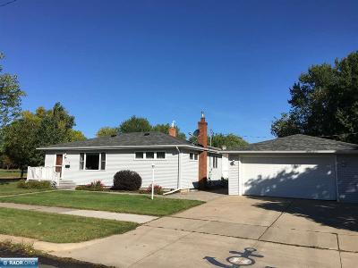 Hibbing, Chisholm Single Family Home For Sale: 115 E 35th Street